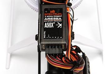Spektrum AR636A Empfänger Vorinstalliert und mit AS3X-Technologie programmiert.